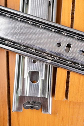 metal slides for furniture drawers